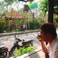 バリ島で優雅にカフェ♪